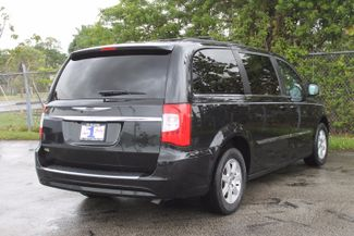 2012 Chrysler Town & Country Touring-L Hollywood, Florida 4