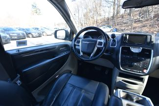 2012 Chrysler Town & Country Touring Naugatuck, Connecticut 12