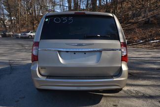 2012 Chrysler Town & Country Touring Naugatuck, Connecticut 3