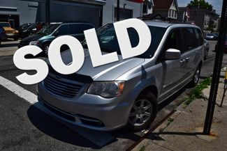 2012 Chrysler Town & Country Touring Richmond Hill, New York