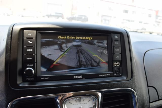2012 Chrysler Town & Country Touring Richmond Hill, New York 14