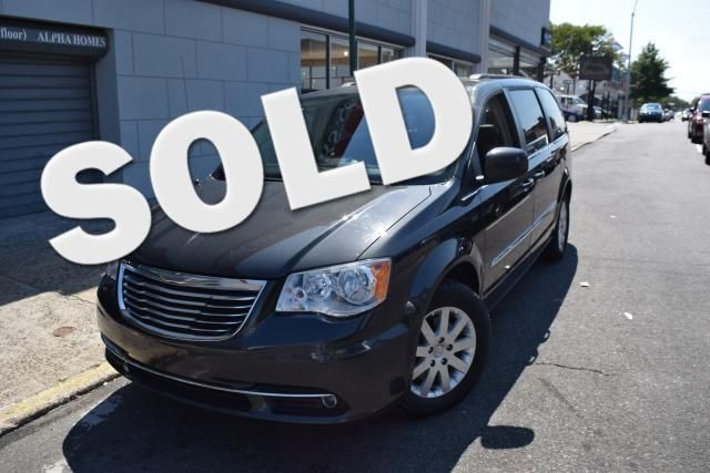 2012 Chrysler Town & Country Touring Richmond Hill, New York 0
