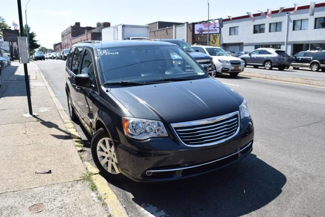 2012 Chrysler Town & Country Touring Richmond Hill, New York 1