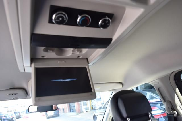 2012 Chrysler Town & Country Touring Richmond Hill, New York 8