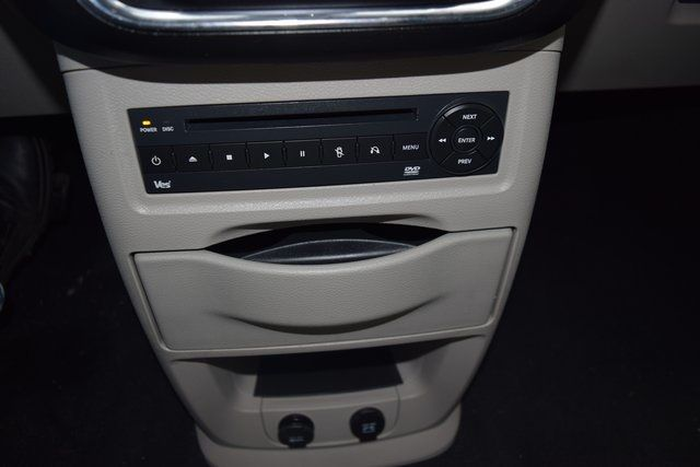 2012 Chrysler Town & Country Touring-L Richmond Hill, New York 20