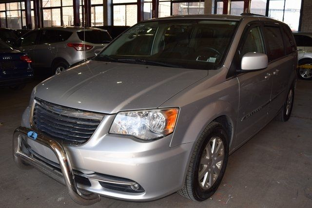 2012 Chrysler Town & Country Touring Richmond Hill, New York 2