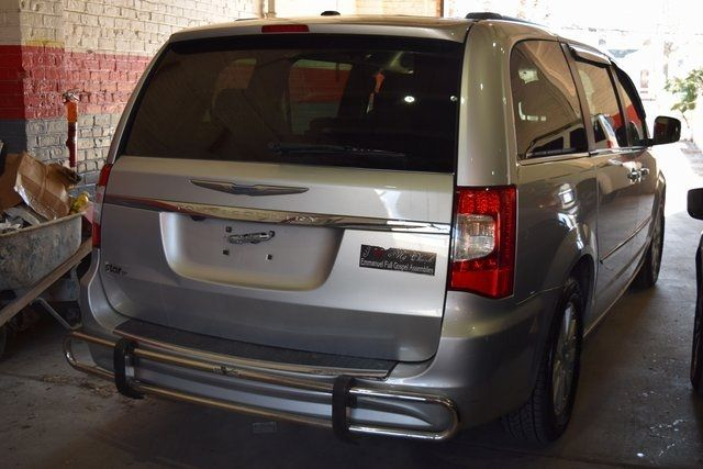 2012 Chrysler Town & Country Touring Richmond Hill, New York 6