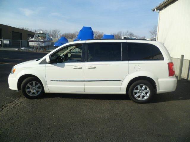 2012 Chrysler Town & Country Touring Roscoe, Illinois 1