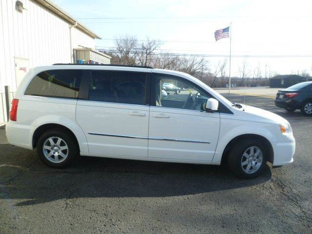 2012 Chrysler Town & Country Touring Roscoe, Illinois 3
