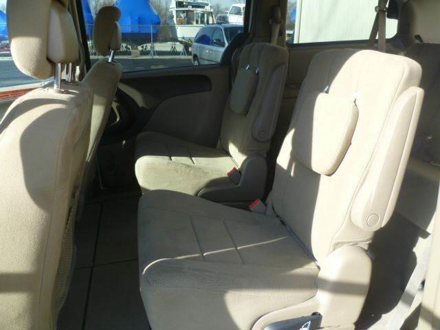 2012 Chrysler Town & Country Touring Roscoe, Illinois 6