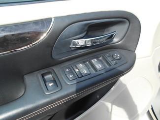 2012 Chrysler Town&Country Touring Handicap Van Pinellas Park, Florida 11
