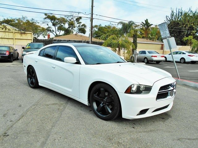 2012 Dodge Charger SE Limited warranty included to assure your worry-free purchase AutoCheck repo