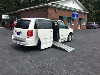 2012 Dodge Grand Caravan SXT handicap wheelchair accessible van Dallas, Georgia 1