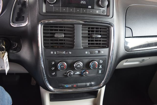 2012 Dodge Grand Caravan SXT Richmond Hill, New York 12