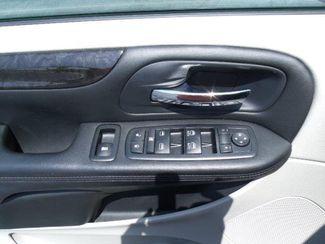 2012 Dodge Grand Caravan Sxt Handicap Van - DEPOSIT Pinellas Park, Florida 8