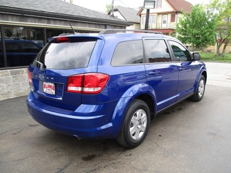 2012 Dodge Journey SE Milwaukee, Wisconsin 3