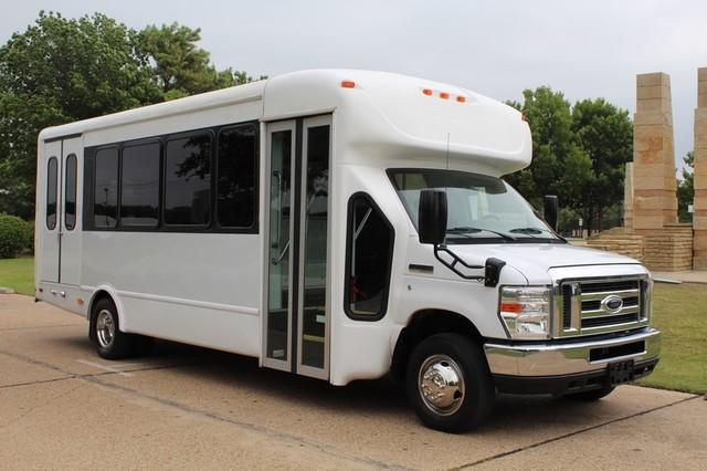 2012 ford e450 21 passenger starcraft shuttle bus w wheelchair lift irving texas lonestar. Black Bedroom Furniture Sets. Home Design Ideas