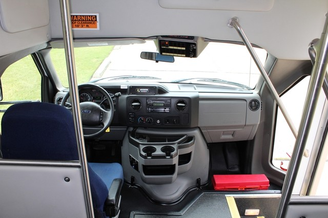 2012 Ford E450 21 Passenger Starcraft Shuttle Bus W