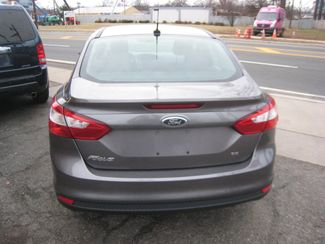2012 Ford Focus SE New Brunswick, New Jersey 4