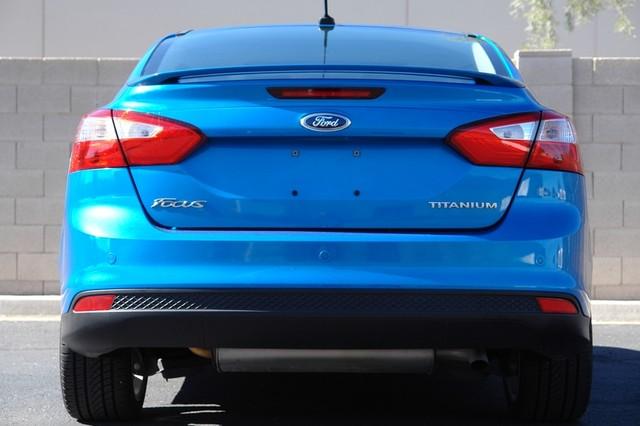 2012 Ford Focus Titanium Phoenix, AZ 18