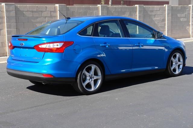 2012 Ford Focus Titanium Phoenix, AZ 4