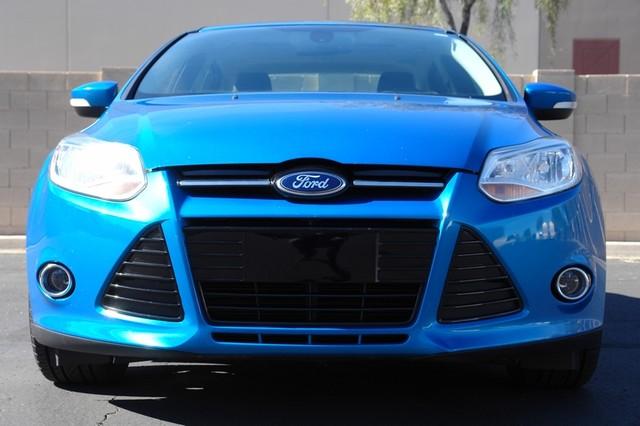 2012 Ford Focus Titanium Phoenix, AZ 12