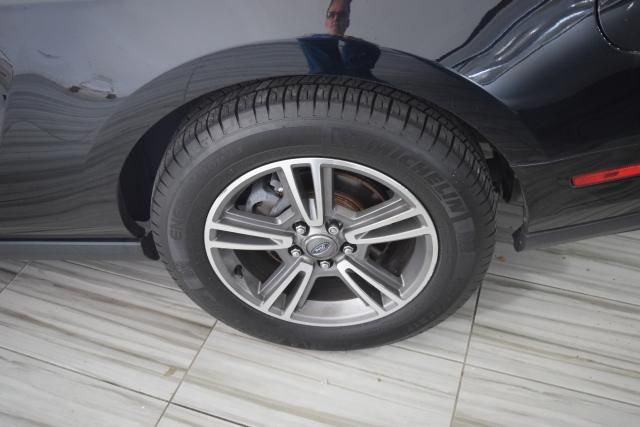 2012 Ford Mustang V6 Premium Richmond Hill, New York 11