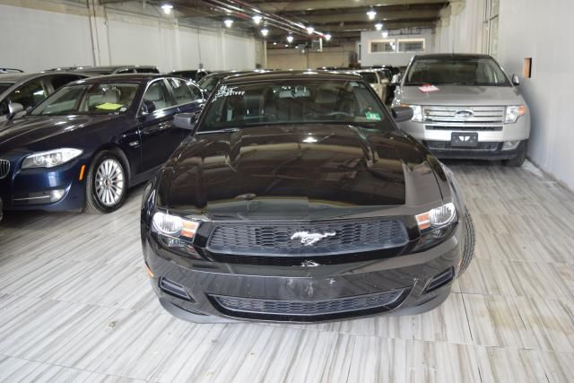 2012 Ford Mustang V6 Premium Richmond Hill, New York 2