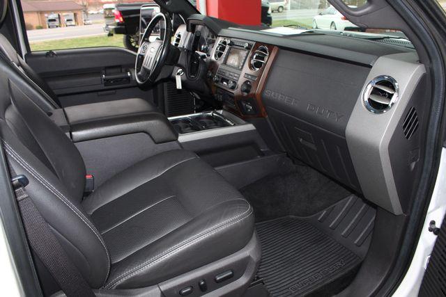 2012 Ford Super Duty F-250 Pickup Lariat Crew Cab 4x4 FX4 Mooresville , NC 34