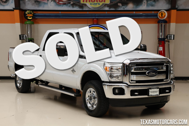 2012 Ford Super Duty F-350 XLT 4x4 This Carfax 1-Owner 2012 Ford Super Duty F-350 SRW XLT is in gr