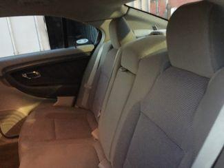 2012 Ford Taurus SEL AUTOWORLD (702) 452-8488 Las Vegas, Nevada 4