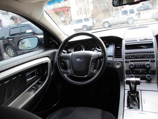 2012 Ford Taurus SEL Milwaukee, Wisconsin 12