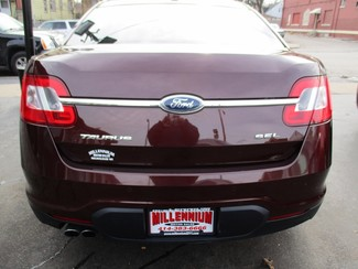 2012 Ford Taurus SEL Milwaukee, Wisconsin 4