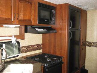 2012 Forest River Lacrosse Luxury Lite 318 BHS Odessa, Texas 8
