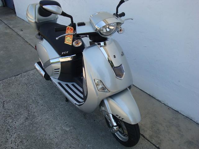 2012 Fosti Free Bird 150 scooter Daytona Beach, FL 3