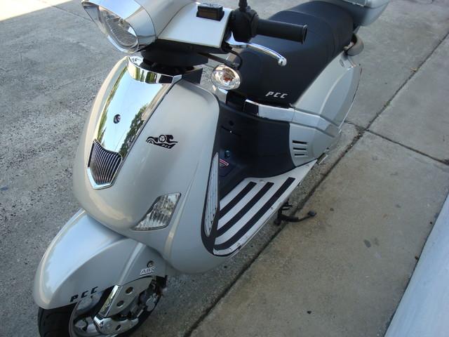 2012 Fosti Free Bird 150 scooter Daytona Beach, FL 9