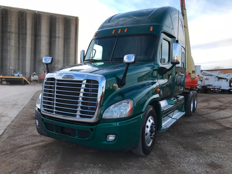 2012 Freightliner CASCADIA SLEEPER TRACTOR TRUCK   city TX  North Texas Equipment  in Fort Worth, TX