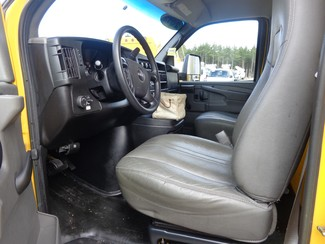 2012 GMC Savana 16FT Cube Van Hoosick Falls, New York 4