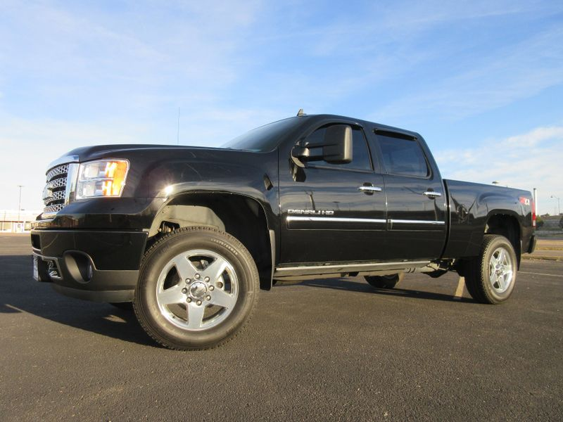 2012 GMC Sierra 2500HD Denali Crew Cab 4WD  Fultons Used Cars Inc  in , Colorado