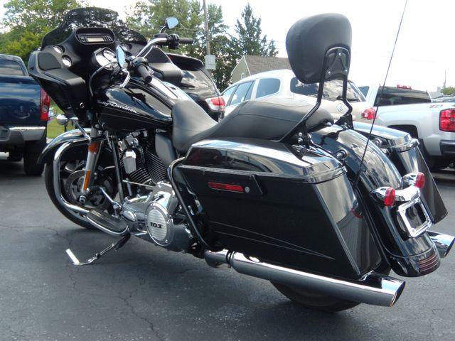 2012 Harley-Davidson Road Glide® Custom Ephrata, PA 4