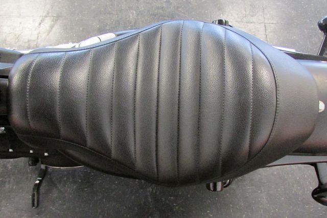 2012 Harley-Davidson Sportster® Iron 883™ Arlington, Texas 19
