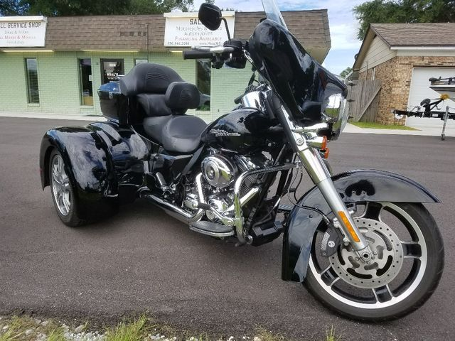 2012 Harley-Davidson Street Glide™ Base Pensacola, Florida 4