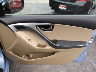 2012 Hyundai Elantra GLS Milwaukee, Wisconsin 19