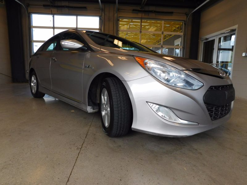 2012 Hyundai Sonata Hybrid  city TN  Doug Justus Auto Center Inc  in Airport Motor Mile ( Metro Knoxville ), TN