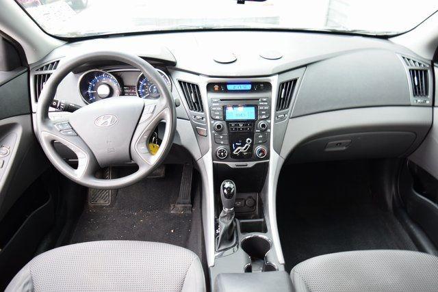 2012 Hyundai Sonata GLS PZEV Richmond Hill, New York 14