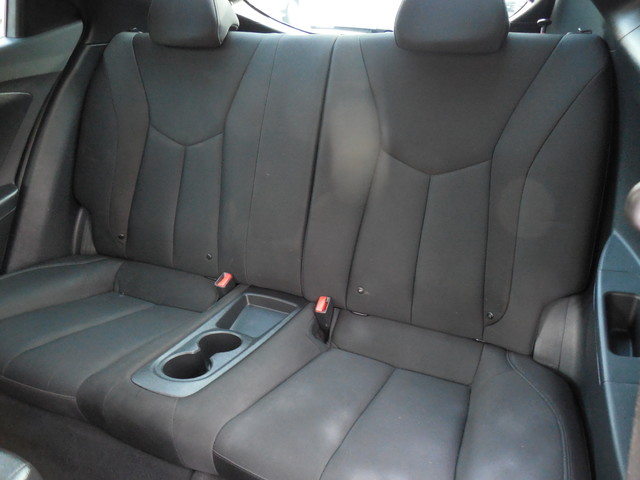 2012 Hyundai Veloster w/Black Int Leesburg, Virginia 11