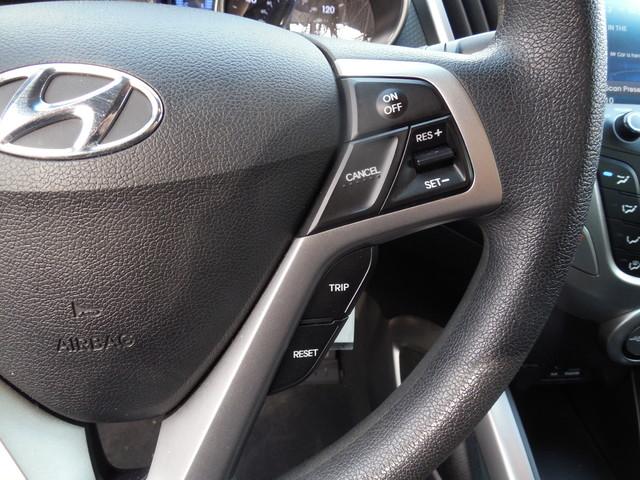 2012 Hyundai Veloster w/Black Int Leesburg, Virginia 16