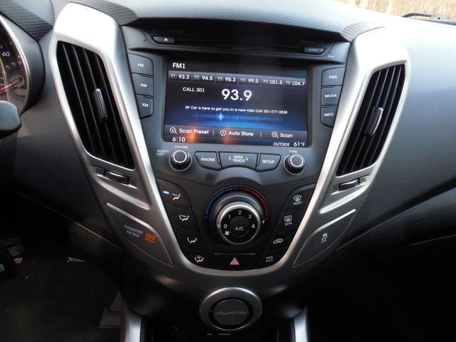 2012 Hyundai Veloster w/Black Int Leesburg, Virginia 18