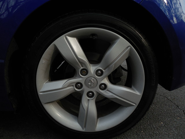 2012 Hyundai Veloster w/Black Int Leesburg, Virginia 21
