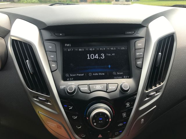 2012 Hyundai Veloster w/Red Int Leesburg, Virginia 23